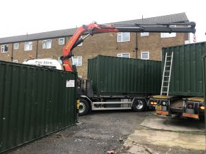 Towable containers Vs Crane lifted containers